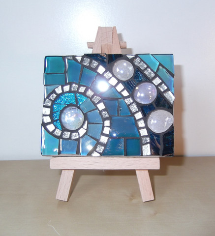 MM13 Blue Swirl (Easel Incl.)  £13