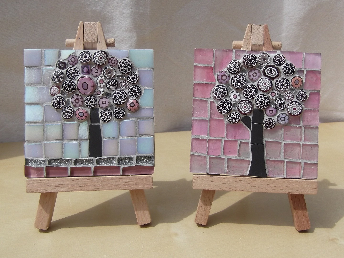 MM7 Small Pink Blossom on White ( Easel Incl.)£12