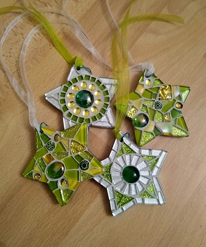 SCS20 Small Chunky Stars Greens  £9 Each