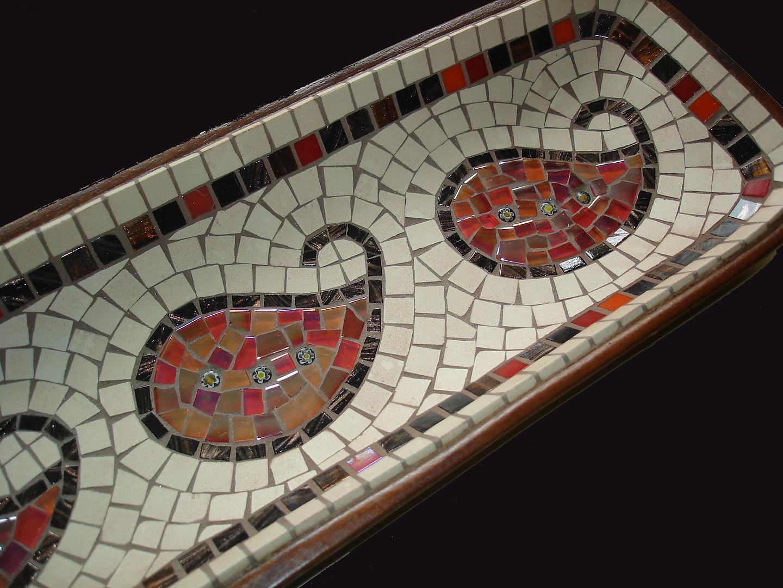 TD19 Acacia Dish Detail