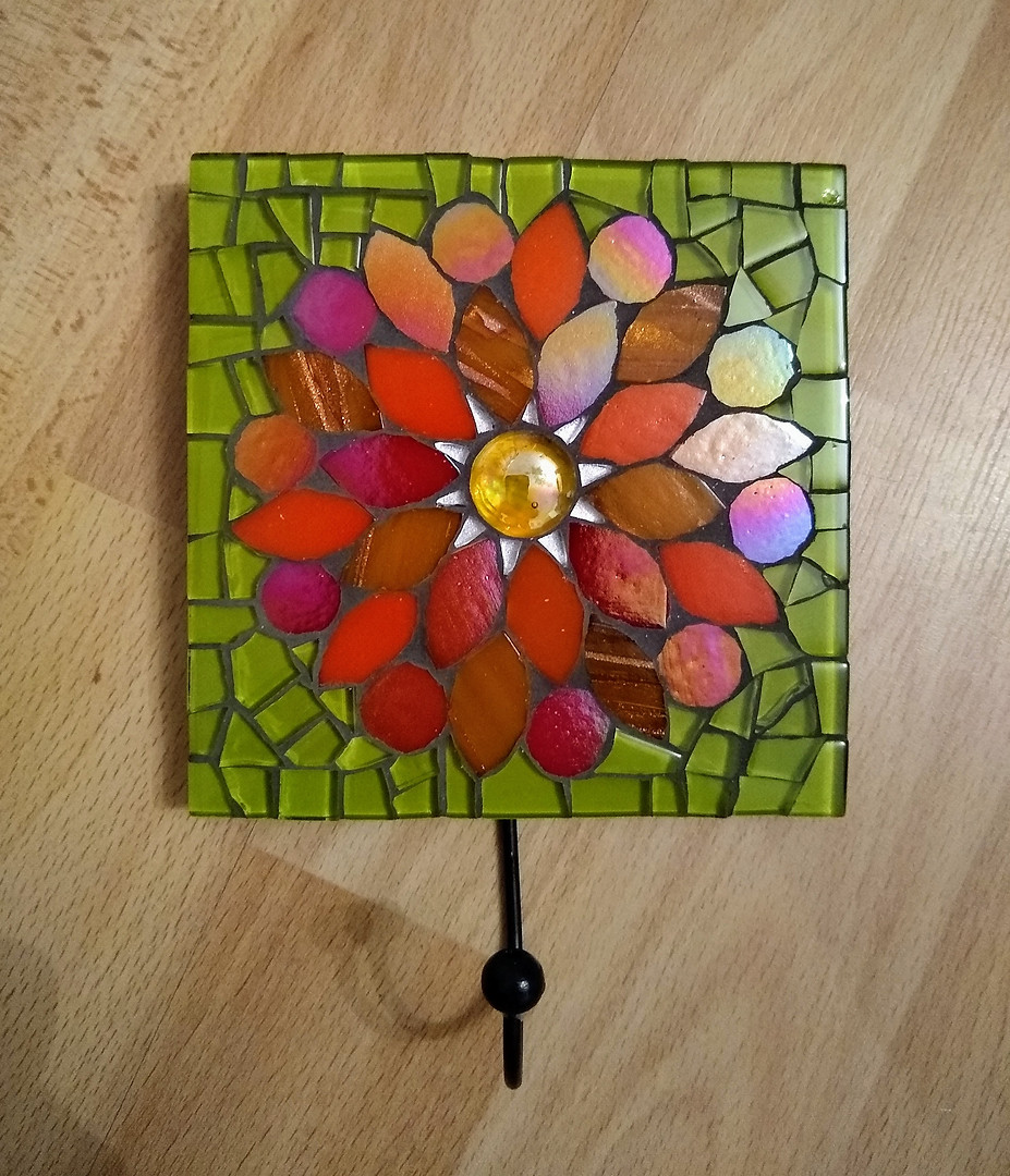 WH32 Wall Hook - Red Flower on Green
