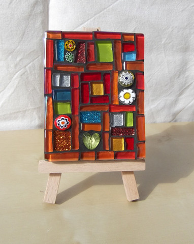MM16 Red Quilt  (Easel Incl.)  £13