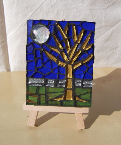MM17  Winter Moon  (Easel Incl)  £13