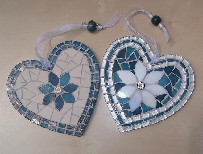 LH13 Large Folksy Flower Hearts Blue/Cream  £22 Each