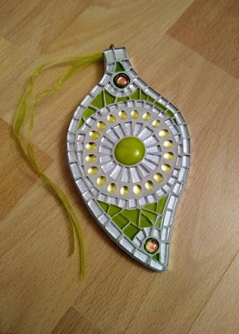 LF27 Green/Silver Leaf  £13 Each