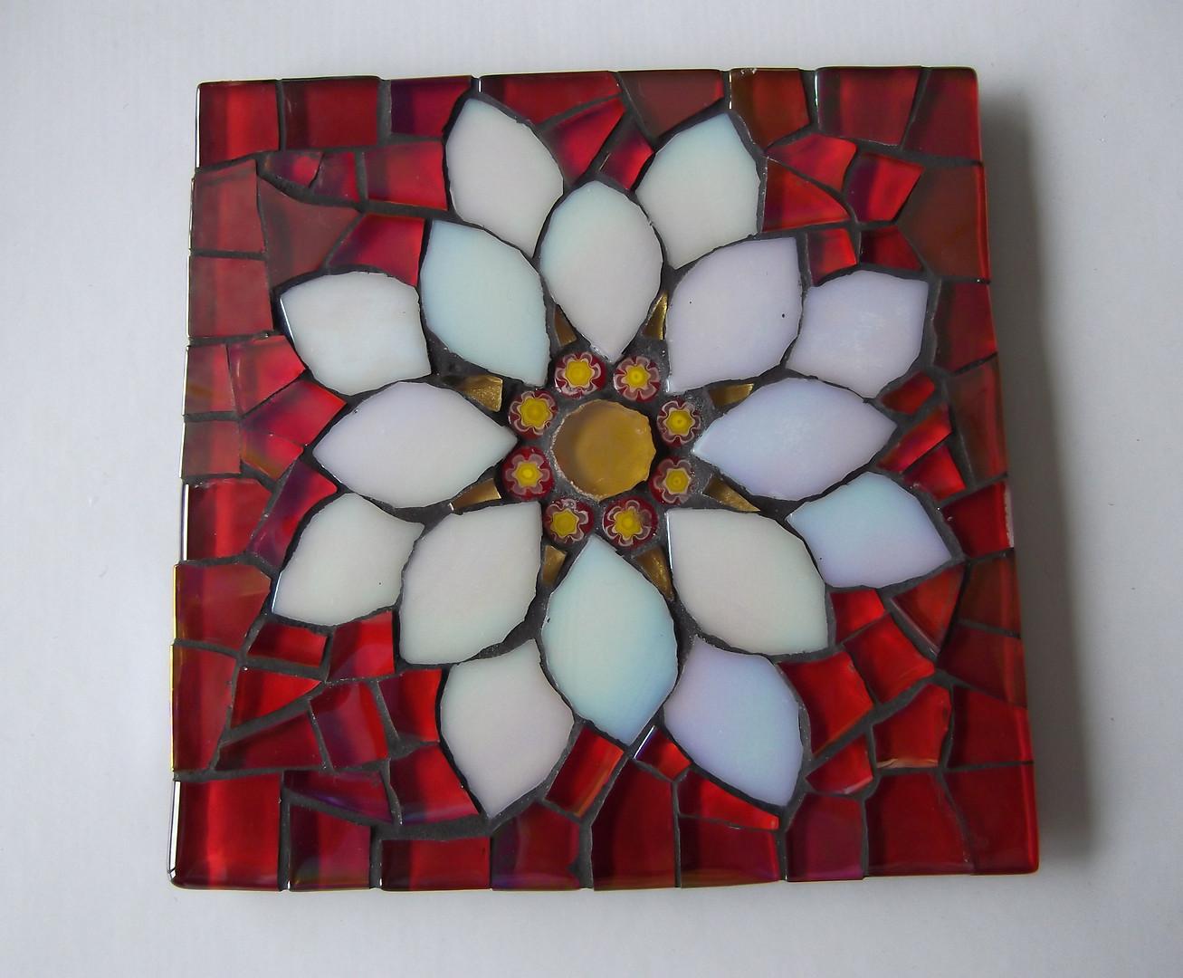 CS9 White Chrysanthemum on Red £12 Each