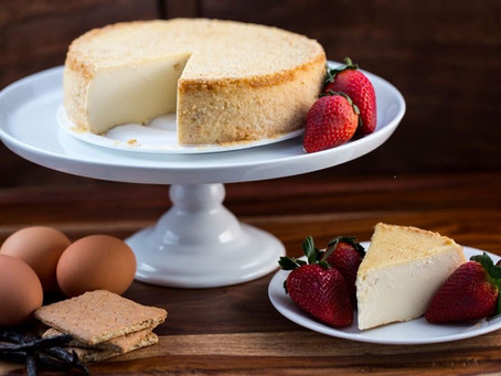 A Perfect Duo: CheeseCake & Wine
