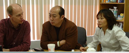 FOTO - TZ Jon  Chinese in discussions.jp