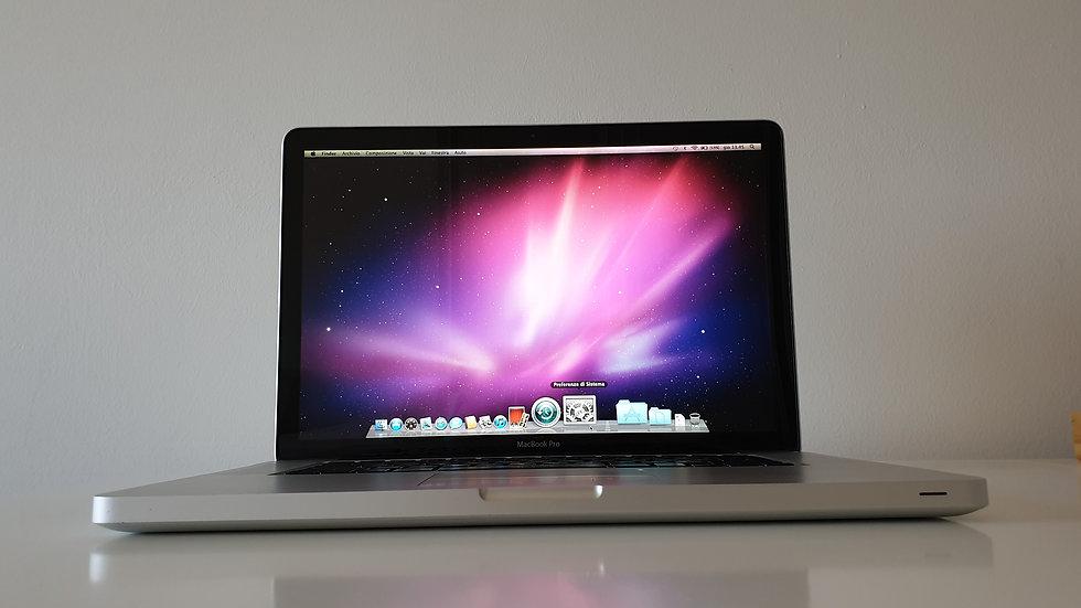 Primo MacBook Pro design Steve Jobs /Perfetto con 6GB RAM e disco SSD