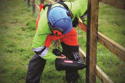 Senco gas fencing stapler GT40FS_300dpi_