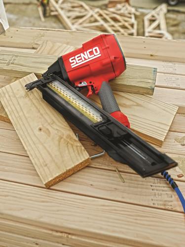 Senco red tool, corporate_300dpi_75x100m