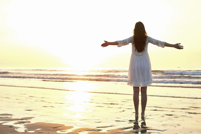 life-coaching-pic-woman-on-beach-1024x68