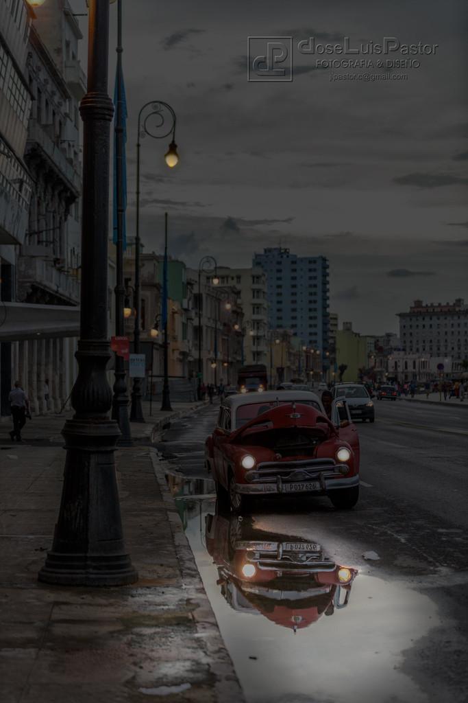 Atardecer en La Habana, El Malecón