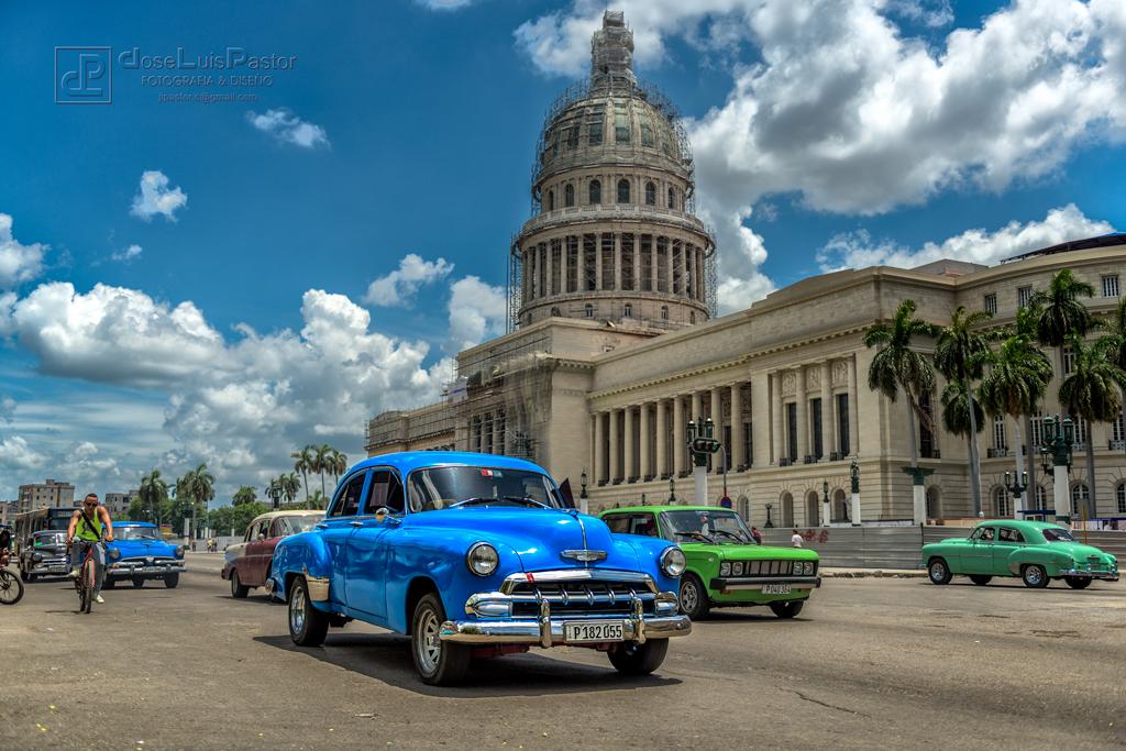 Taxi Cubano Azul