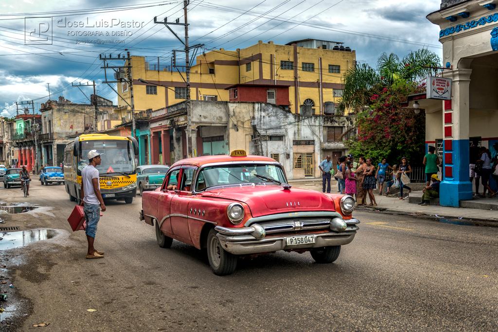 Taxi Cubano Rojo 2