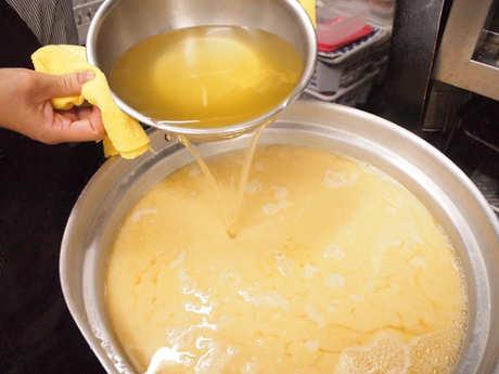 だしをたっぷり使ったお味噌汁、ごはんと一緒に、飲んだしめにどうぞ。