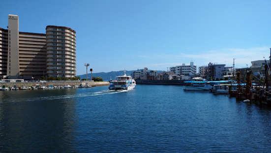 ジェノバラインの船「まりん・あわじ」が出港しました。