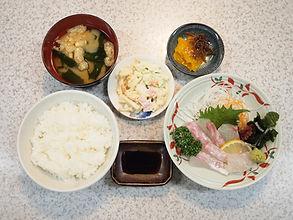 鯛のお刺身定食2 リサイズ.jpg