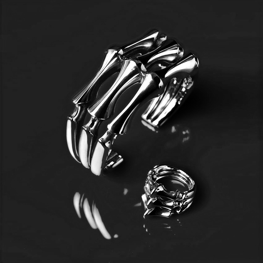 Daisy-Grice---sculptural-silver-spine-cu