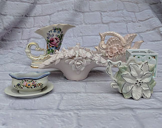 vintage porcelain smal vases