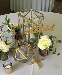 gold script table numbers