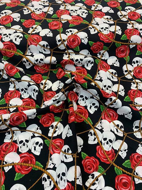 Robe crânes et roses