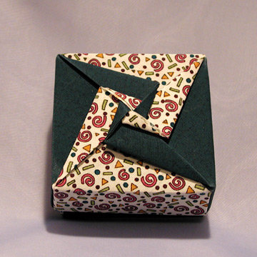 Square - Double Pinwheel, Festive Green