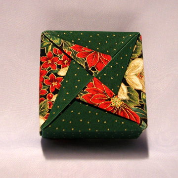Square - Pinwheel, Holiday Flowers and Dots Green