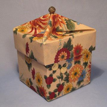 Cube - Knob, Asian Floral Beige