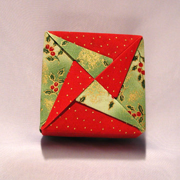 Square - Pinwheel, Hollies on Green and Dots Red