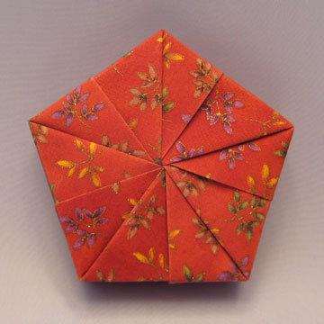 Pentagon - Slices, Golden Leaves on Red
