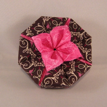 Octagon - Daylily, Daylily on Dark Chocolate