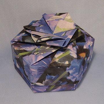 Hexagon - Bow, Purple Pansies