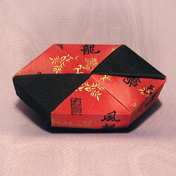 Polygon - Bow Tie, Black and Chinese Characters on Red