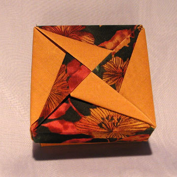 Square - Pinwheel, Gold and Floral on Green