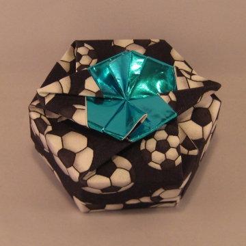 Hexagon - Wing, Soccer Balls