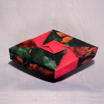 Rhombus - Diamond, Fuchsia Floral on Green