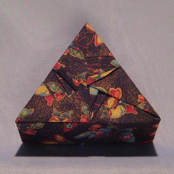 Triangle - Arrows, Gold Dust Butterflies