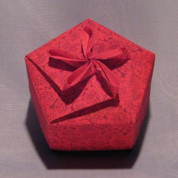 Pentagon - Jasmine, Red Leaves