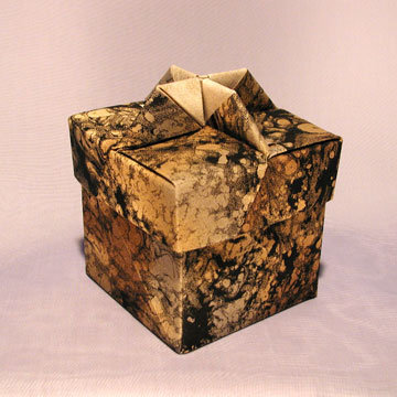 Cube - Knob 2, Gold and Black Marble