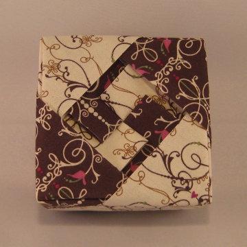 Square - Lozenge, White and Dark Chocolate