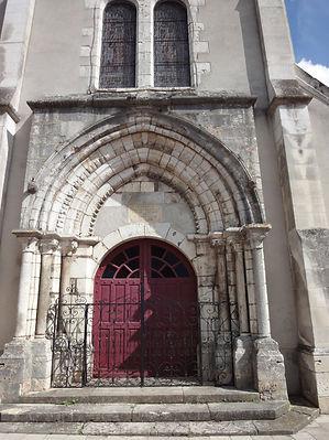 Fronton église
