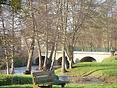 Jardins d'eau et pont sur le loing