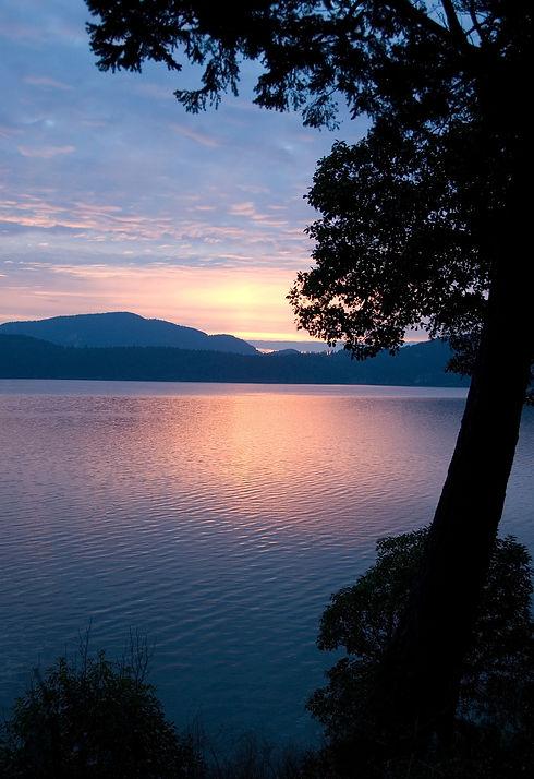 sunset-421205_1920.jpg