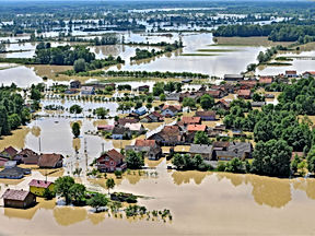 Flooding in the Balkans in 2014.jpg