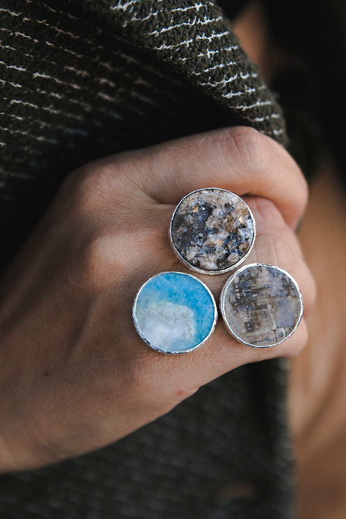 ring with chalcedony brush, violan and moonstone // silver 925