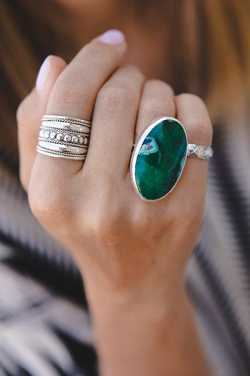 Oval clinochlor ring // silver 925