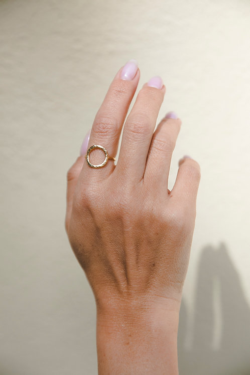 Crumpled circle ring // gold plated