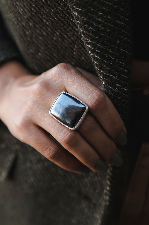 Ring with hematite // silver 925