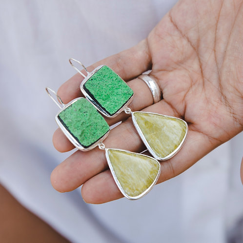 Earrings with uvarovite and ophite // silver 925